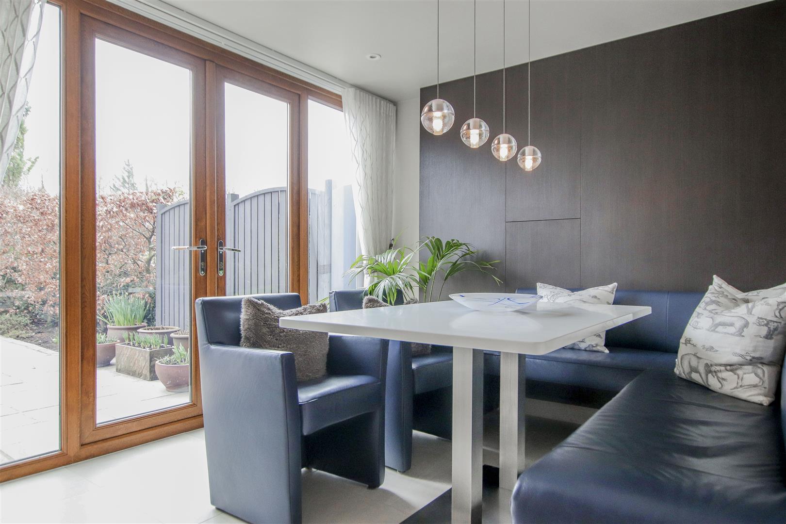 5 Bedroom Semi-detached House For Sale - 11.JPG